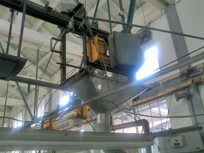 富岡製糸 自動配繭装置 001